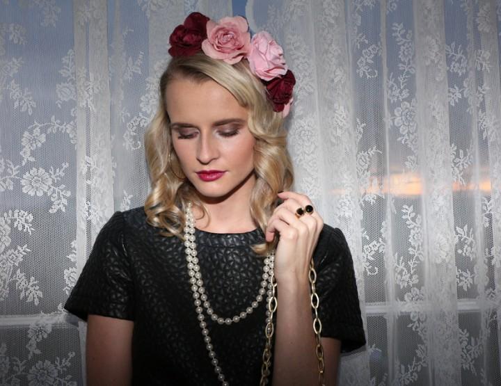 la floral pearl dame