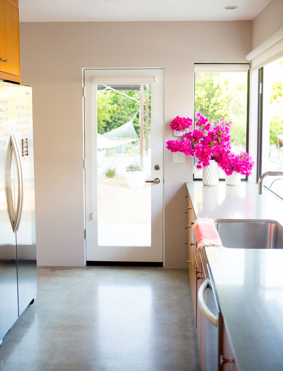 a_house_in_the_hills_kitchen-3