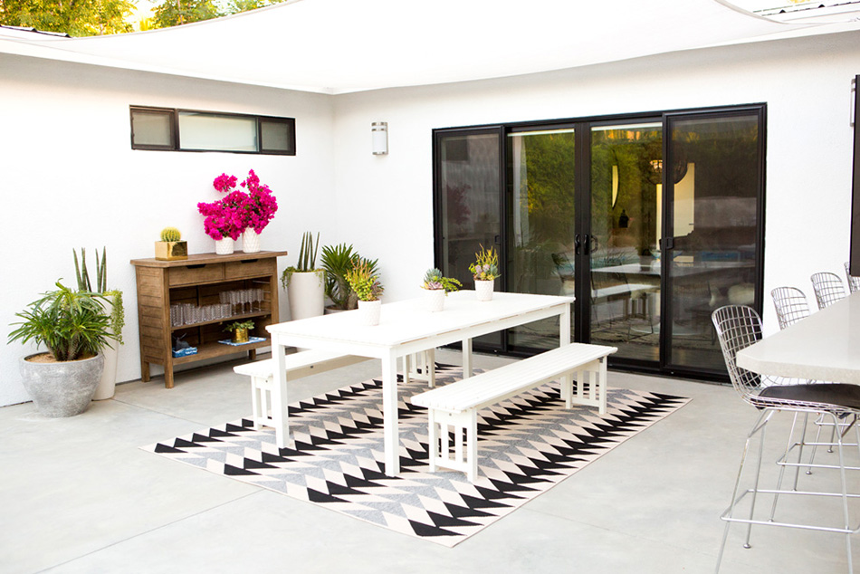 a_house_in_the_hills_modern_patio_makeover-11
