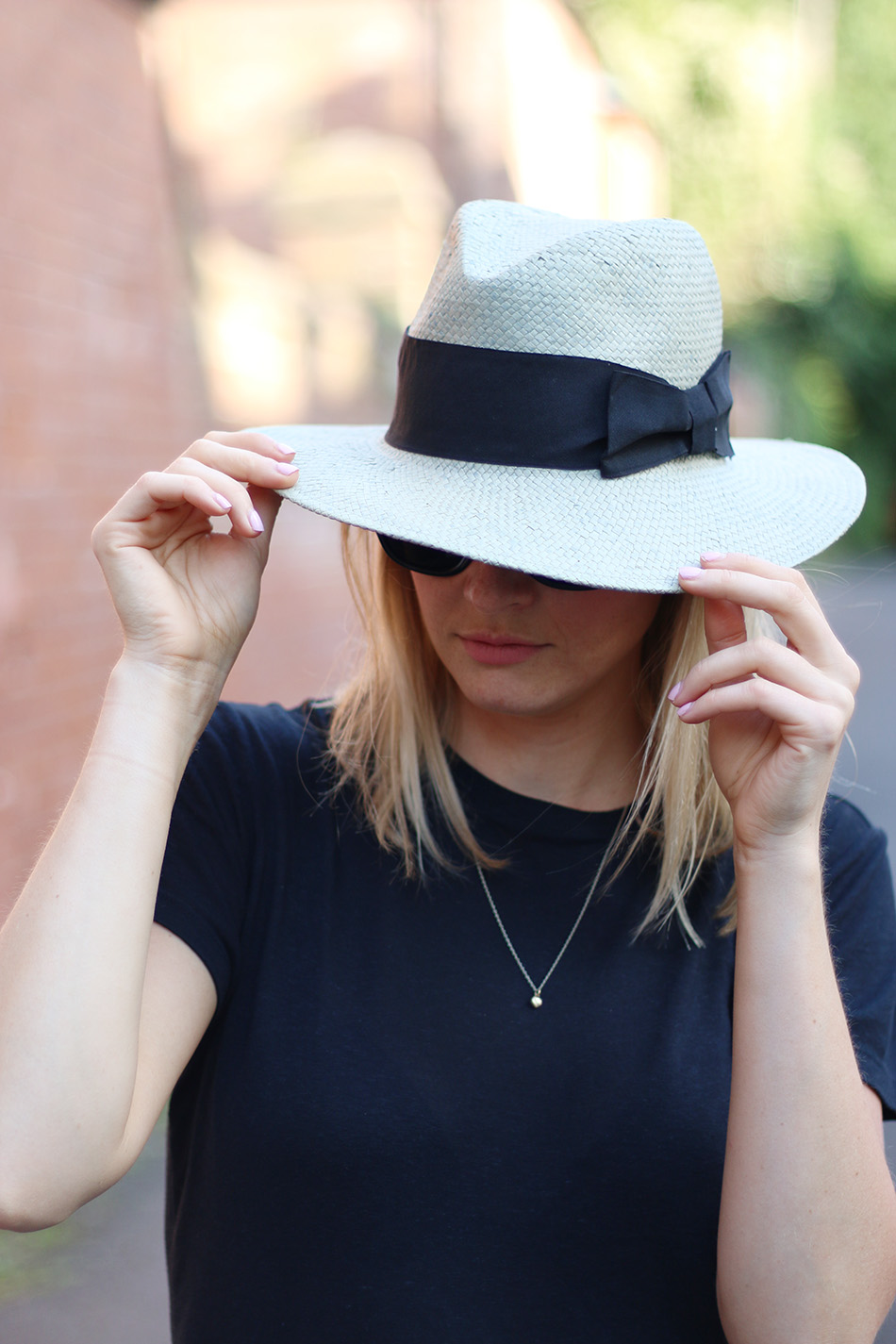 Fringe and Doll Back To basic casual hat look IMG_8101