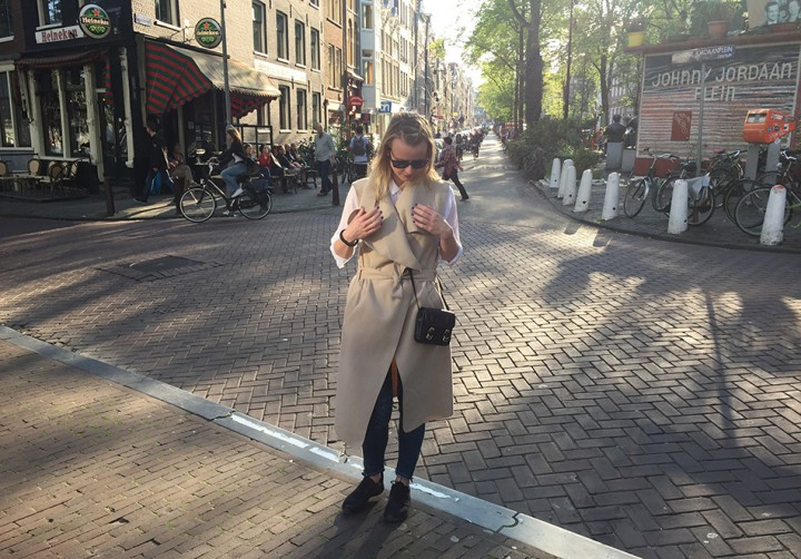 A sunny morning | Amsterdam Look No. 2